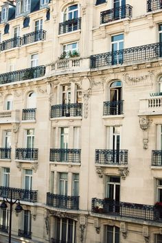 one of my favorite things about Paris - the gorgeous buildings