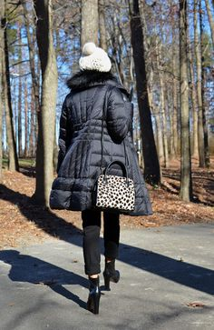 Down Puffer Coat Outfit Wild Fashion, Leopard Bag, Winter Hats, Winter Jackets, Louise Brooks, Wild Style, Well Dressed, Cold Weather, Street Style