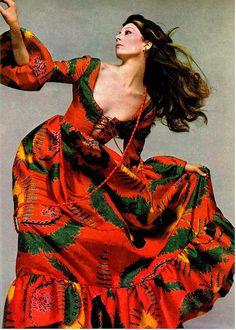 anjelica houston, valentino, vogue 1971