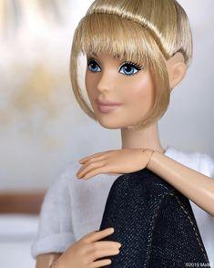 Go ahead, daydream like it's your day job. Barbie Gowns, Barbie Hair, Doll Clothes Barbie, Barbie Life, Barbie World, Barbie And Ken, Unicorn Iphone Case, Barbie Fashionista Dolls, Kylie J