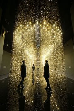""" ""Light is time"" is an art installation developed by Tsuyoshi Tane Featuring suspended shimmering watch plates for people to walk through. "" - ""Light is time"" is an art installation. Light Art Installation, Art Installations, Light Luz, Vitrine Design, Instalation Art, 3d Art, Art Appliqués, Foto Art, Stage Design"
