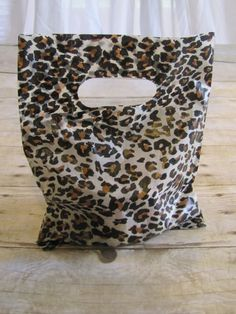 20 Leopard Party Favor Bags Treat bags Animal by LuxePartySupply, $4.99