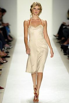 Carolina Herrera Spring 2004 Ready-to-Wear Collection - Vogue