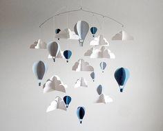 BLEU grand Hot Air Balloon papier bébé Mobile par HUSHandHONEY