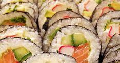 Sushi z łososiem, avocado, paluszkami krabowymi Tempura, Ethnic Recipes