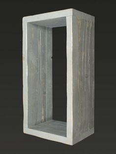 Cubo di legno artigianale con forma rettangolare di vario utilizzo adatto a creare la propria composizione.