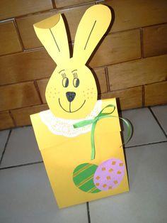 Velikonoční zajíček. Krabička na pomlázku.