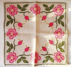 Table Cloth Hand Embroidery Flowery Linen Vintage by MerilinsRetro