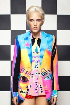 A very bold blazer and shirt, love the colourful print x Colorful Fashion, Unique Fashion, High Fashion, Womens Fashion, Fashion Design, Unique Clothes For Women, Cocktail Attire, 2014 Trends, Discount Universe