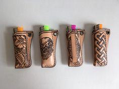 Etui porte briquet en cuir repoussé, divers motifs : Etuis, mini sacs par lakota-cuir