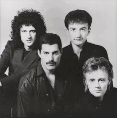 Freddie Mercury – Page 58 – Queen Photos Queen Photos, Queen Pictures, Rare Pictures, John Deacon, Great Bands, Cool Bands, Bryan May, Queen Brian May, Princes Of The Universe