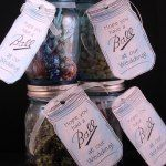 http://www.thecountrychiccottage.net/2014/03/mason-jar-wedding-favors-with-free.html