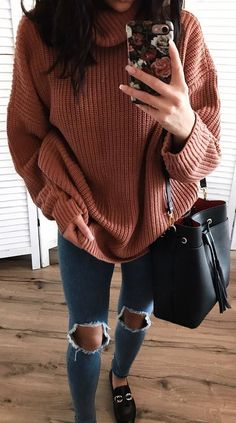 winter outfit inspiration / oversized sweater + bag + rips + loafers