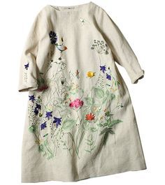would be a great embroidery project on a linen tunic... had a pillow like this once
