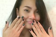 My new simple black and green nail gel