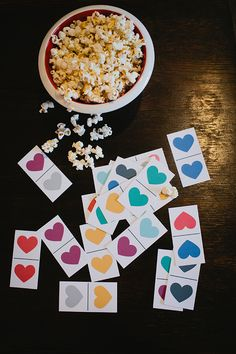 printable (heart day) dominos for the kids.  #raeannkellypins #rakpinparty