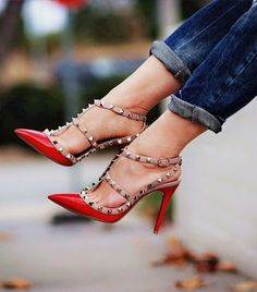 Valentino Rockstud Pumps in Red with Jeans. Love it! #Rockstuds
