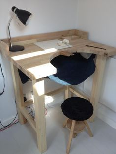 Woodworking Bench simple workbench - I so want this! Woodworking Workbench, Woodworking Crafts, Woodworking Shop, Workbench Ideas, Garage Workbench, Workbench Designs, Workbench Organization, Folding Workbench, Industrial Workbench