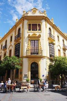 Seville in Spain. Places To Travel, Places To See, Travel Destinations, Pamplona, Malaga, Bilbao, Honeymoon Photography, Madrid, Seville Spain