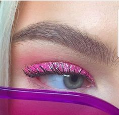 Image about pink in Make-up by ᯽𝕔𝕒𝕟𝕕𝕪 𝕗𝕝𝕠𝕤𝕤᯽ on We Heart It Makeup uploaded by 🙎🏾♀️ maqafa 🙎🏾♀️ on We Heart It 90s Makeup, Cute Makeup, Glam Makeup, Pretty Makeup, Skin Makeup, Makeup Inspo, Makeup Art, Makeup Inspiration, Make Up Looks
