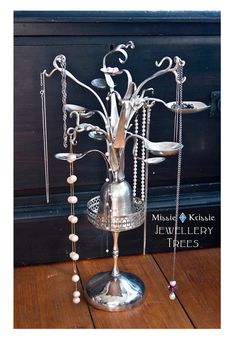 Recycled silverware jewelry trees you could diy with forks, spoons, goblets, candle holders Recycled Silverware, Silverware Jewelry, Spoon Jewelry, Jewelry Tree, Jewelry Holder, Jewelry Crafts, Cutlery, Jewellery Rings, Diy Jewelry For Beginners