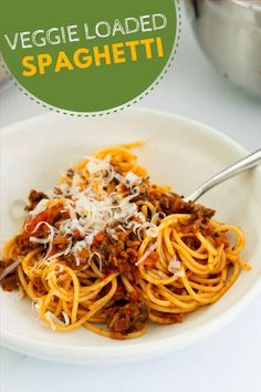 This veggie loaded spaghetti bolognese is the perfect bolognese recipe for kids. Healthy Family Dinners, Healthy Meals For Kids, Family Meals, Kids Meals, Easy Meals, Spaghetti Bolognese, Pasta Spaghetti, Spaghetti With Spinach, Hidden Vegetables