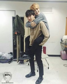 Uploaded by BTS. Find images and videos about kpop, bts and jimin on We Heart It - the app to get lost in what you love. Namjoon, Taehyung, Seokjin, Foto Bts, Bts Photo, Bts Boys, Bts Bangtan Boy, Bts Jimin, Jung Hoseok