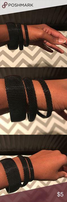 Mesh black bracelet set. Size:OS Versatile Mesh black bracelet set. Size:OS. Runs big. Worn 1 time. Very unique🌟 Accessories