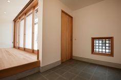 土間とリビング(明日香の家)奈良県橿原市・木の家・秦建築