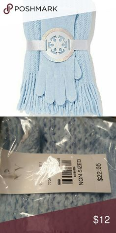 2 Piece New York and Company Set Glove and Scarf Set from New York and Company in beautiful light blue color with sparkling blue throughout the scarf. All reasonable offers are always considered!! 💞💞 New York & Company Accessories Gloves & Mittens