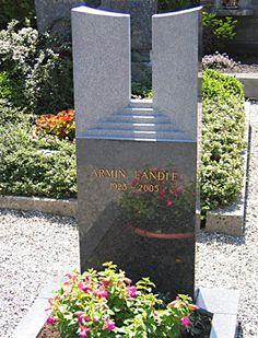p33-tor-zur-ewigkeit-poliert Cemetery Monuments, Steinmetz, Stone Carving, Funeral, Amazing Art, Memories, Graphic Design, Grave Decorations, Graveyards