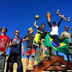 Podium Brazuca em Maryhill #brazilianstorm  1 @max_ballesteros 2 @gomeslessa  3 @cacpaixao . #mylongbrothers #showdownattheloops #maryhill #downhill  #downhillskateboarding #photo #skatedownhill #downhillspeed #longboard #longboarding #skate #skateboarding #skatefast #speed #skatesafe #gopro #freeride #sliding #usesempreumcapacete #alwayswearahelmet
