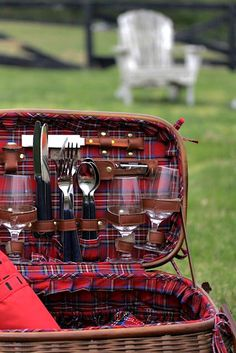 Tartan Picnic ♥  - Explore the World with Travel Nerd Nici, one Country at a Time. http://TravelNerdNici.com