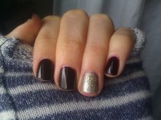 Essie Wicked w/ Beyond Cozy accent nail manicure