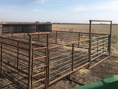 Bow Gate/Panels Cattle Barn, Show Cattle, Beef Cattle, Cattle Ranch, Horse Stalls, Horse Barns, Horses, Cow Pen, Cattle Corrals