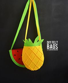 The best DIY projects & DIY ideas and tutorials: sewing, paper craft, DIY. Diy Crafts Ideas DIY: Watermelon and Pineapple Felt Bags Tutorial (No-Sew) -Read Cute Crafts, Felt Crafts, Diy Crafts, Cool Diy Projects, Sewing Projects, Diy Bags Tutorial, Handbag Tutorial, Diy Sac, Diy Bags Purses