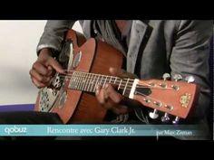Gary Clark Jr. joue et chante en accoustique pour Qobuz.com