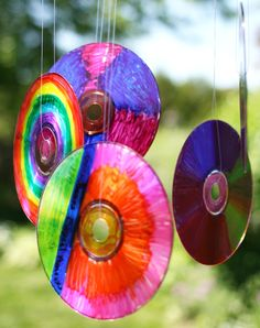 Turn old CDs and DVDs into a vibrant sun catcher.
