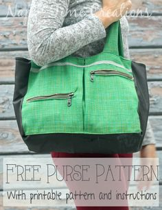 Use this free purse pattern to sew up a cute winter purse. Perfect for flannel or other winter fabrics. Free PDF pattern and printable pattern and instructions.