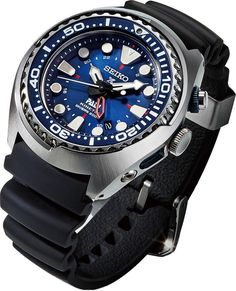 Buying The Right Type Of Mens Watches - Best Fashion Tips Big Watches, Best Watches For Men, Stylish Watches, Seiko Watches, Luxury Watches For Men, Sport Watches, Cool Watches, Tritium Watches, Watch Engraving