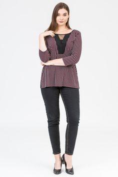 Merlot style. Wine colour fashion. Plum colour top. Black jeans. Black heels, K+K women's plus size fashion sizes 10-26.