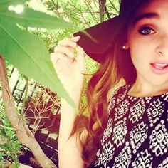 Im Kendall im on a show called Dance Moms. I love shopping, taking selfies,and hanging out with friends! Dance Moms Facts, Dance Moms Dancers, Dance Mums, Dance Moms Girls, Maddie Ziegler, Mackenzie Ziegler, Dance Moms Kendall, Kendall K Vertes, Paige Hyland