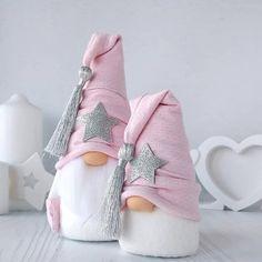 icu ~ Scandinavian Nordic Gnome® MINI/MIDI, Handmade Swedish Tomte, Nordic Home Decoration, Fun Gift Idea Pink Christmas Decorations, Christmas Gnome, Christmas Crafts For Kids, Diy Christmas Gifts, Christmas Art, Christmas Projects, Simple Christmas, Holiday Crafts, Gnomes