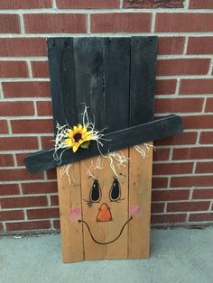 reversable scarecrow/ snowman pallet wood sign by DaniBsCreations Fall Wood Crafts, Pallet Crafts, Diy Pallet Projects, Wooden Crafts, Pallet Ideas, Craft Projects, Wood Pallet Signs, Pallet Art, Wood Pallets