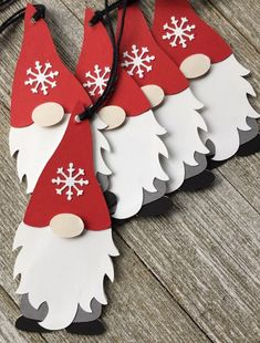 Paper Christmas Decorations, Christmas Paper Crafts, Christmas Projects, Holiday Crafts, Gift Crafts, Nordic Christmas, Christmas Gnome, Christmas Holidays, Christmas Ornaments