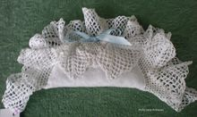 Lovely Vintage Linens Lavender Sachet    Hand Made From Vintage English Linens And Filled With Lavender Flower Buds