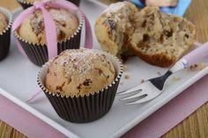 Margot muffiny - Lahodné recepty z čokolád a tyčinek ORION Muffins, Cupcakes, Breakfast, Food, Morning Coffee, Muffin, Cupcake Cakes, Essen, Meals
