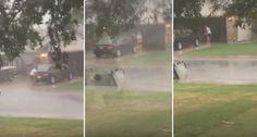 Mulher Decide Lavar o Carro Na Rua Durante Tempestade