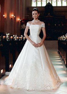 ホワイトドレス:アクトレス梅田ウエディングプラザ