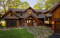 rustic home exterior ideas rustic home exteriors with goodly ideas about rustic houses exterior on property rustic exterior house designs Rustic Houses Exterior, Dream House Exterior, Exterior Homes, Mountain Home Exterior, Rustic Home Exteriors, Log Cabin Exterior, House Exteriors, Modern Exterior, Modern Rustic Homes